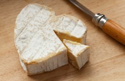 regular-cheese-consumption-linked-to-lower-risk-of-cardiovascular-and-heart-diseases-study-suggests_wrbm_large